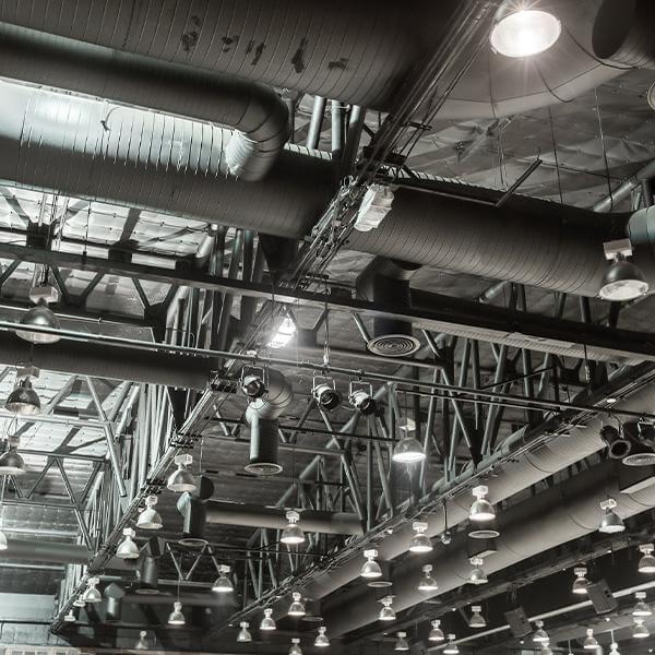instalacja wentylacyjna poddachem hali